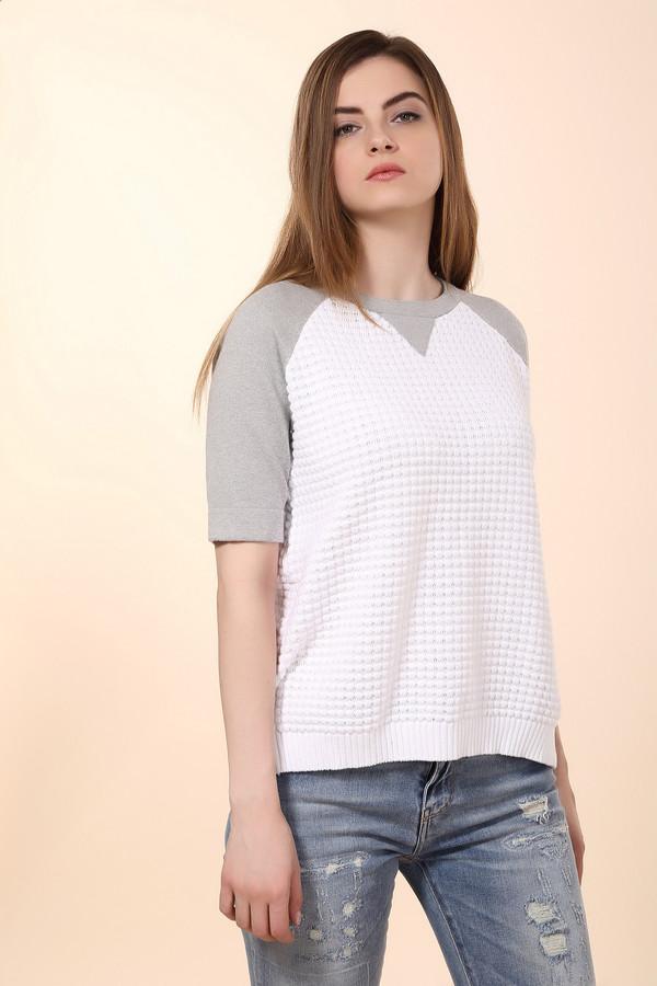 Пуловер Just ValeriПуловеры<br>Пуловер Just Valeri женский. Белый и серый цвета соединились в этом изделии просто безупречно. К тому же верх модели скроен по типу свитшота, что выглядит очень необычно в таком трикотажном исполнении. 100%-ный хлопок очень комфортен к телу, поэтому такая демисезонная вещь просто незаменима в стильном женском гардеробе.