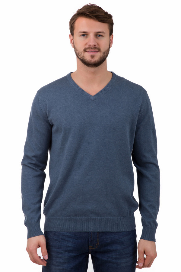 Джемпер Just ValeriДжемперы<br>Пуловер Just Valeri мужской синий. Строгий фасон этого пуловера придется по душе ценителям классики и простоты. Сзади модель отделана декоративным швом. Особой прелести изделию придает треугольный вырез горловины, который смотрится очень лаконично и элегантно. Состав: 100%-ный хлопок, что обеспечивает комфорт и удобство. Демисезонное изделие.<br><br>Размер RU: 54<br>Пол: Мужской<br>Возраст: Взрослый<br>Материал: хлопок 100%<br>Цвет: Синий