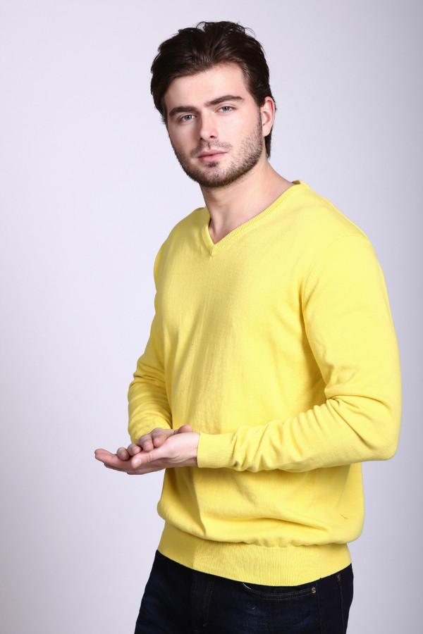 Джемпер Just ValeriДжемперы и Пуловеры<br>Джемпер Just Valeri мужской жёлтый. Если вы модный стильный мужчина, джемпер насыщенного желтого цвета подчеркнет вашу индивидуальность и харизму. Модель выполнена в классическом стиле, но благодаря необычному яркому цвету обязательно привлечёт к себе внимание. Состав: 100%-ный хлопок<br><br>Размер RU: 46<br>Пол: Мужской<br>Возраст: Взрослый<br>Материал: хлопок 100%<br>Цвет: Жёлтый