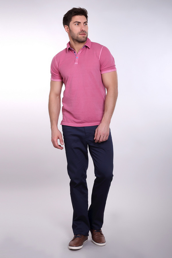 Брюки PezzoБрюки<br>Брюки Pezzo мужские синие. Отличные синие брюки, выполненные в классическом стиле, подойдут любому мужчине. Простота и практичность данной модели наверняка заинтересуют вас. Натуральный состав ткани - тоже немаловажное условие при носке этих брюк. Прекрасно сочетаются с рубашками пастельных тонов. Состав: хлопок и эластан.<br><br>Размер RU: 50К<br>Пол: Мужской<br>Возраст: Взрослый<br>Материал: хлопок 98%, эластан 2%<br>Цвет: Синий