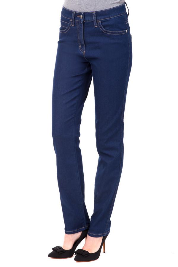 Джинсы PezzoДжинсы<br>Изящные женские джинсы Pezzo синего цвета. Такие джинсы из эластана, хлопка, полиэстера, зрительно стройнят ноги, уменьшая их обхват и удлиняя их. Носить такие джинсы можно круглогодично, они отлично сочетаются с разнообразными футболками, топами, туниками, свитерами. Может стать как элементом неформального наряда, так и строгого костюма.<br><br>Размер RU: 44<br>Пол: Женский<br>Возраст: Взрослый<br>Материал: эластан 1%, хлопок 77%, полиэстер 20%<br>Цвет: Синий