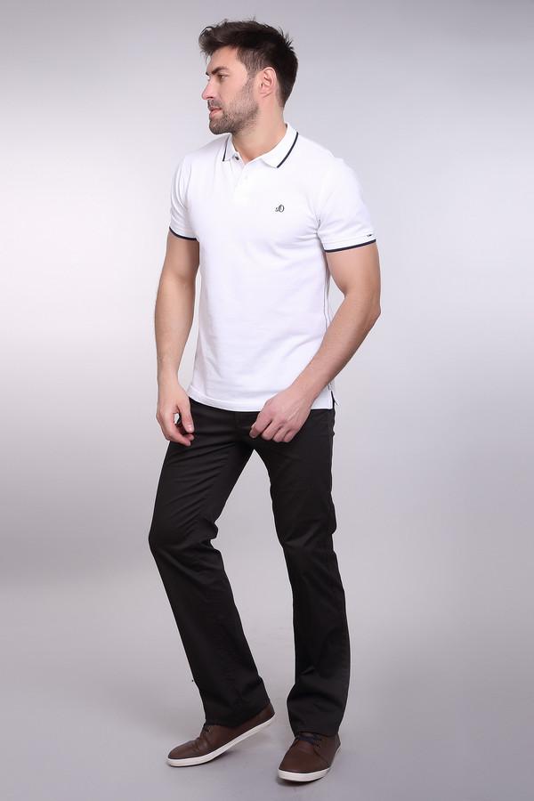Брюки PezzoБрюки<br>Строгие мужские брюки Pezzo коричневого цвета. Модель эта выполнена из хлопка и эластана, в ходу круглогодичны. Такие брюки становятся отличным дополнением строгого рабочего костюма, хотя могут носиться как повседневная одежда. Дополнено это изделие двумя парами практичных карманов, одной спереди и одной сзади.<br><br>Размер RU: 52<br>Пол: Мужской<br>Возраст: Взрослый<br>Материал: хлопок 98%, эластан 2%<br>Цвет: Коричневый