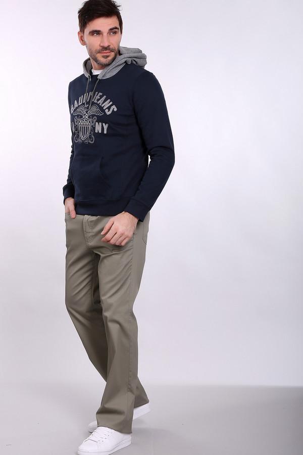 Брюки PezzoБрюки<br>Деловые мужские брюки Pezzo серого цвета. Изготовлены из легкого сочетания хлопка и эластана, так что идеально подходят для носки в летнюю жару. Это особенно удобно тем, что такие брюки чаще всего выбирают в качестве части делового костюма, и ходить в них приходится на работу. Модель дополняется вместительными карманами, что не может не радовать практичных мужчин.<br><br>Размер RU: 50<br>Пол: Мужской<br>Возраст: Взрослый<br>Материал: хлопок 98%, эластан 2%<br>Цвет: Серый