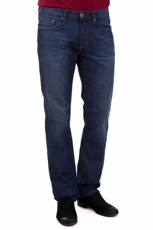 Джинсы PezzoДжинсы<br>Аккуратные мужские джинсы Pezzo темно-синего цвета. Это джинсы прямого кроя, изготовленные из полиэстера, хлопка и эластана. Носится эта деталь гардероба круглогодично. Они удобны в повседневной носке, аккуратны, практичны. В таких джинсах можно заниматься повседневными делами, посещать работу, и всегда в них будет комфортно. Дополняют эту модель удобные карманы.<br><br>Размер RU: 54К<br>Пол: Мужской<br>Возраст: Взрослый<br>Материал: полиэстер 15%, хлопок 83%, эластан 1%<br>Цвет: Синий
