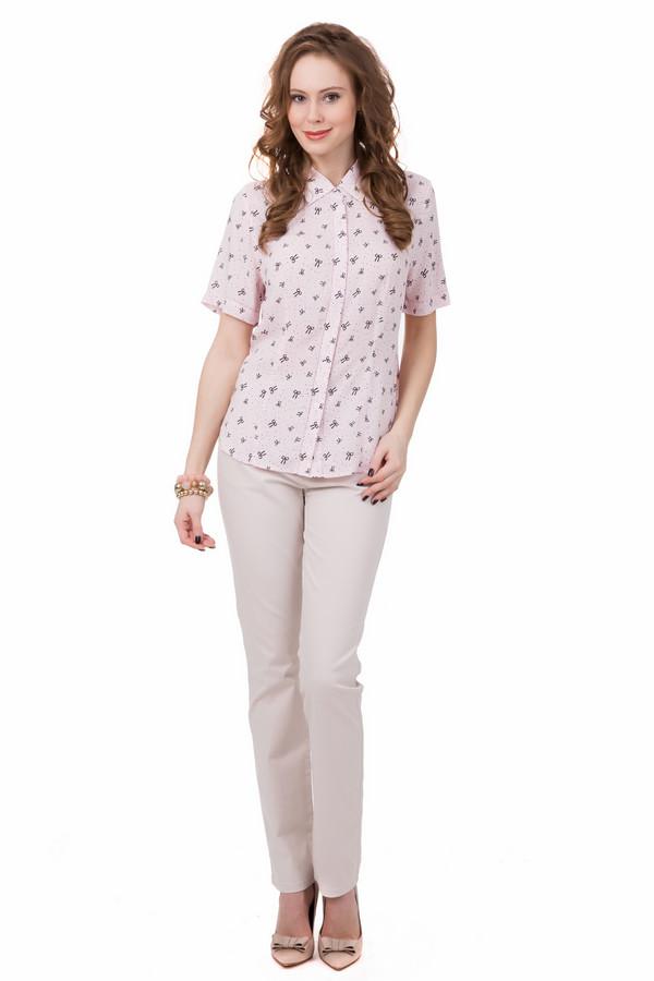 Брюки PezzoБрюки<br>Привлекательные женские брюки Pezzo бежевого цвета очень светлого оттенка. Эти, практически молочного цвета брюки, наиболее удобны в летний сезон. Они красивы и практичны, изготовлены из хлопка и эластана. Покрой прямой, дополнена модель удобными карманами. В таких брюках любая женщина будет выглядеть потрясающе.<br><br>Размер RU: 44<br>Пол: Женский<br>Возраст: Взрослый<br>Материал: эластан 3%, хлопок 97%<br>Цвет: Бежевый