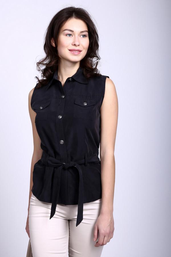 Блузa Just ValeriБлузы<br>Утонченная блуза Just Valeri темно-серого цвета. Модель без рукавов, застегивается на пуговицы, дополнена она отложным воротничком, двумя нагрудными кармашками и широким текстильным поясом, который завязывается на бант на талии. Изготовлена модель из полиэстра и модала. Наиболее комфортно в ней в летний сезон.