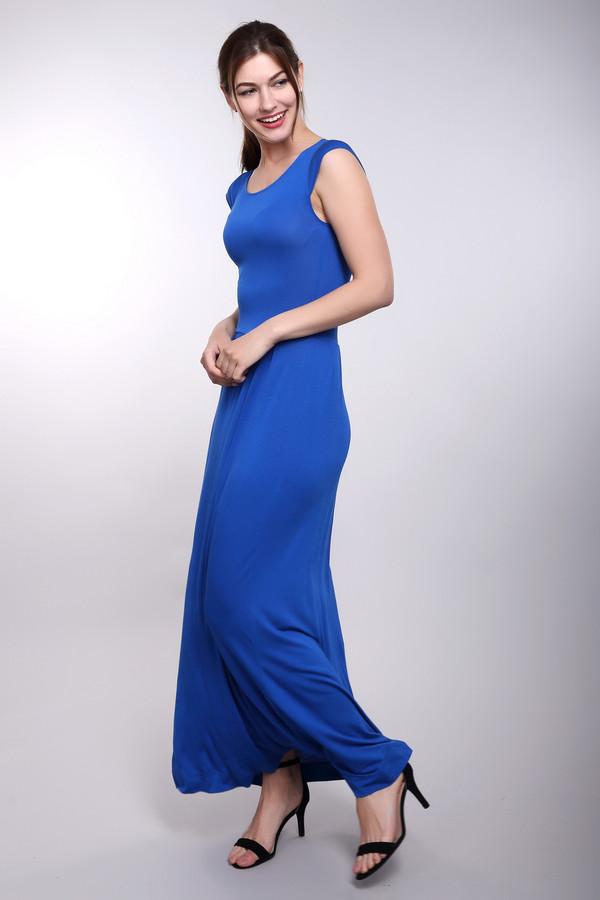 Платье Just ValeriПлатья<br>Удивительное синее платье Just Valeri поможет выгодно выделиться в толпе. Приталенный силуэт подчеркнет положительные стороны фигуры, а расклешенная юбка в пол открывает простор для фантазии. Пошита эта модель из вискозы и спандекса. В летний сезон в ней будет наиболее комфортно и удобно.