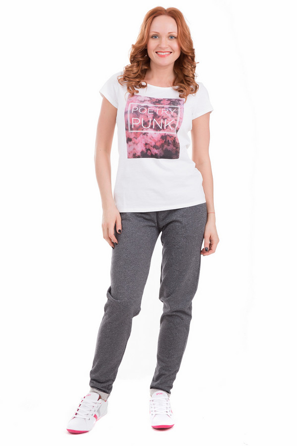 Спортивные брюки Just ValeriСпортивные брюки<br>Спортивные женские брюки Just Valeri темно-серого цвета. Подойдут как для занятий спортом, так и для повседневной носки. Дополнены небольшими врезными карманами спереди, держатся за счет широкой резинкой на поясе. Изделие полностью состоит из чистого хлопка. Подходит для носки в любое время года.<br><br>Размер RU: 44<br>Пол: Женский<br>Возраст: Взрослый<br>Материал: хлопок 100%<br>Цвет: Серый