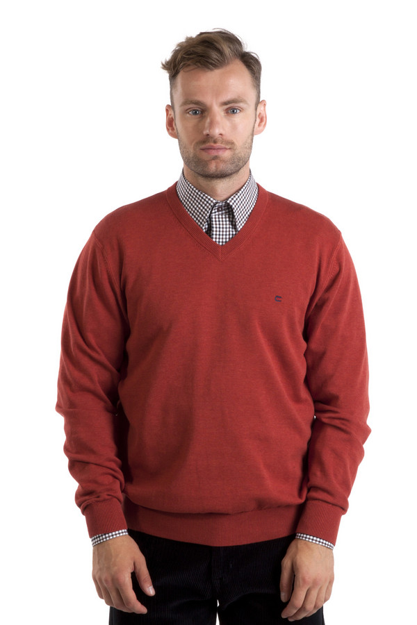 Джемпер Casa ModaДжемперы<br>Красный джемпер бренда Casa Moda прямого кроя выполнен из натуральной хлопковой пряжи. Изделие дополнено: v-образным вырезом и длинными рукавами. Ворот, манжеты и нижний кант оформлены трикотажной вязанной резинкой.<br><br>Размер RU: 46-48<br>Пол: Мужской<br>Возраст: Взрослый<br>Материал: хлопок 100%<br>Цвет: Красный