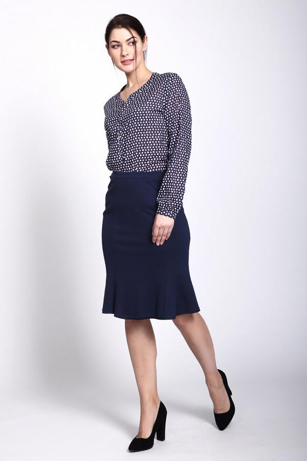 Юбка PezzoЮбки<br>Очаровательная и женственная юбка-тюльпан Pezzo темно-синего цвета. Специфический покрой придает юбке сходство с раскрывшимся цветком тюльпана, что делает очень выгодный акцент на женских ногах, привлекая к ним внимание. Изготовлена такая модель из вискозы, нейлона и спандекса. Носить такую юбку можно круглогодично.