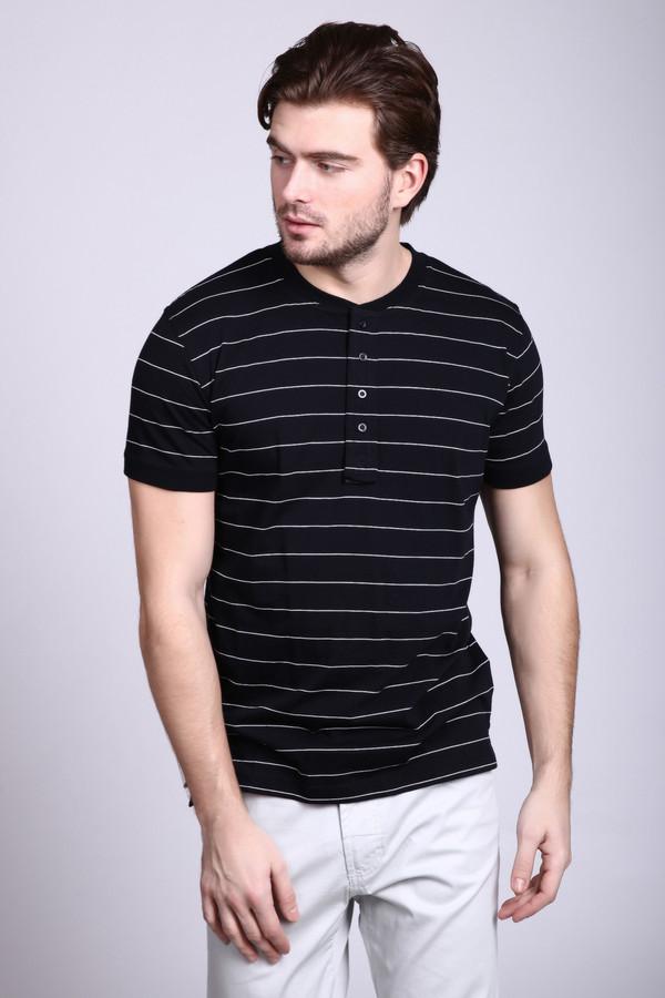 Футболкa PezzoФутболки<br>Удобная мужская футболка Pezzo, черная в тонких белых полосках. Рукава у футболки короткие. Застегивается она под горлом на четыре пуговки. Рукава дополнены небольшими отворотами, которые придают особый шарм этой модели. Изготовлена модель из чистого хлопка. В летнее время в такой футболке будет наиболее удобно.