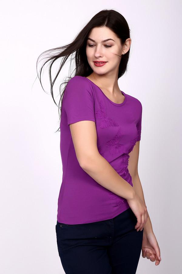 Футболка Just ValeriФутболки<br>Яркая футболка фиолетового цвета от Just Valery станет украшением Вашего летнего гардероба. Данная футболка выполнена в классическом стиле, поэтому она идеально впишется и дополнит любой образ. Сделана эта вещь на 95% из вискозы – именно это придает ей лёгкость, мягкость и шелковистый блеск. Дополнительно украшена вставками в виде бабочек.