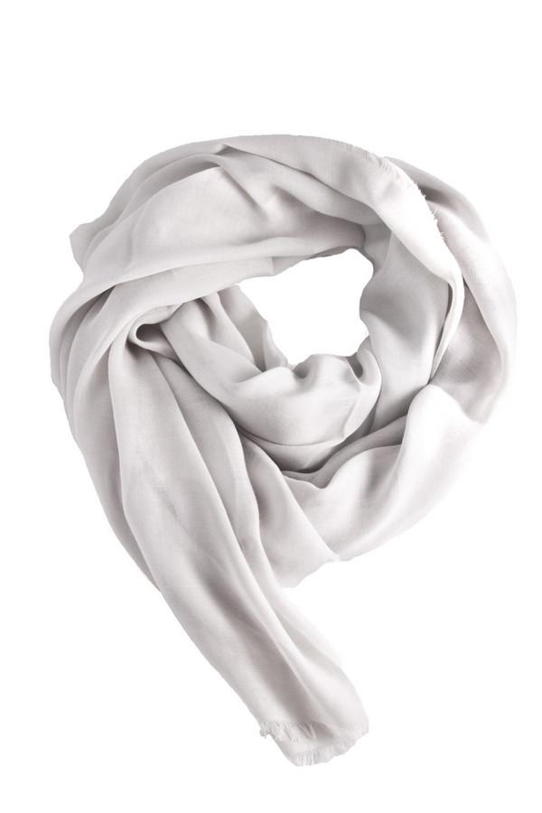 Шарф CodelloШарфы<br>Светло-серый шарф Codello выполнен из высококачественного материала приятного на ощупь. Изделие дополнено небольшой бахромой.<br><br>Размер RU: один размер<br>Пол: Женский<br>Возраст: Взрослый<br>Материал: вискоза 60%, полиэстер 40%<br>Цвет: Серый
