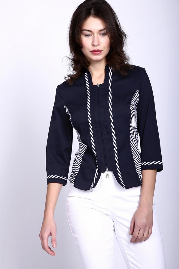 Блузa PezzoБлузы<br>Эту блузу сложно назвать просто блузой. Бренд Pezzo всегда поражает оригинальностью и данное изделие тому подтверждение. С первого взгляда кажется, что это две разные вещи – футболка, поверх которой надет пиджак. Но нет, это такой необычный дизайнерский ход. Блуза чёрного цвета, дополнительно украшена белыми диагональными полосами. Слегка заужена на талии. Застёгивается на молнию. Средняя часть укорочена – за счёт этого и создается эффект двух вещей.<br><br>Размер RU: 46<br>Пол: Женский<br>Возраст: Взрослый<br>Материал: хлопок 78%, спандекс 3%, нейлон 19%<br>Цвет: Белый