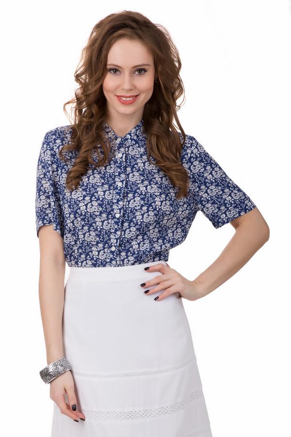 Блузa PezzoБлузы<br>Буйство красок и цветов воплощено в блузе от Pezzo. В ней вы почувствуете себя по-настоящему красивой и свежей. Изделие синего цвета, на нём изображены многочисленные белые цветки маленького размера. Застёгивается на пуговицы. Блуза длинная, поэтому её можно носить навыпуск или заправляя. Рукава короткие. Состав – 100% вискоза.<br><br>Размер RU: 44<br>Пол: Женский<br>Возраст: Взрослый<br>Материал: вискоза 100%<br>Цвет: Синий