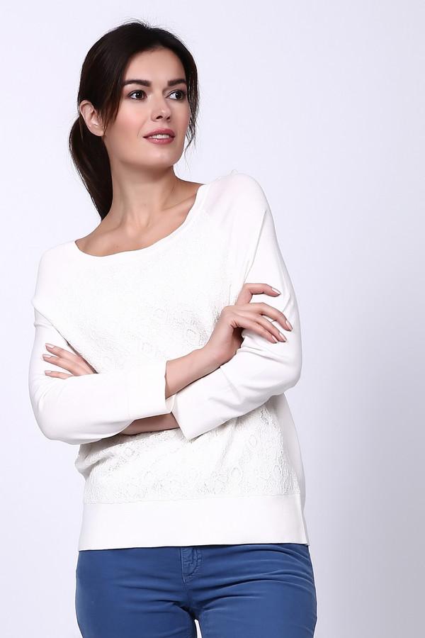 Пуловер PezzoПуловеры<br>Белый пуловер от Pezzo выполнен в классическом стиле. Рукава у изделия длинные, сам пуловер средней длины. Спереди дополнительно украшен ажурным рисунком. Идеально подойдёт под любой наряд – будь то юбка, джинсы или классические штаны. Состав – 80% вискоза, 20% нейлон.