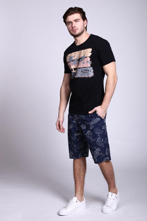 Шорты PezzoШорты<br>Оригинальные мужские шорты Pezzo с популярным принтом. Замечательная стильная вещь для пляжного отдыха и повседневной носки в городе. 100% натуральный состав ткани очень комфортен для жаркого лета. Средняя длина до колена и большие накладные карманы – все для максимального удобства.<br><br>Размер RU: 48<br>Пол: Мужской<br>Возраст: Взрослый<br>Материал: хлопок 100%<br>Цвет: Серый