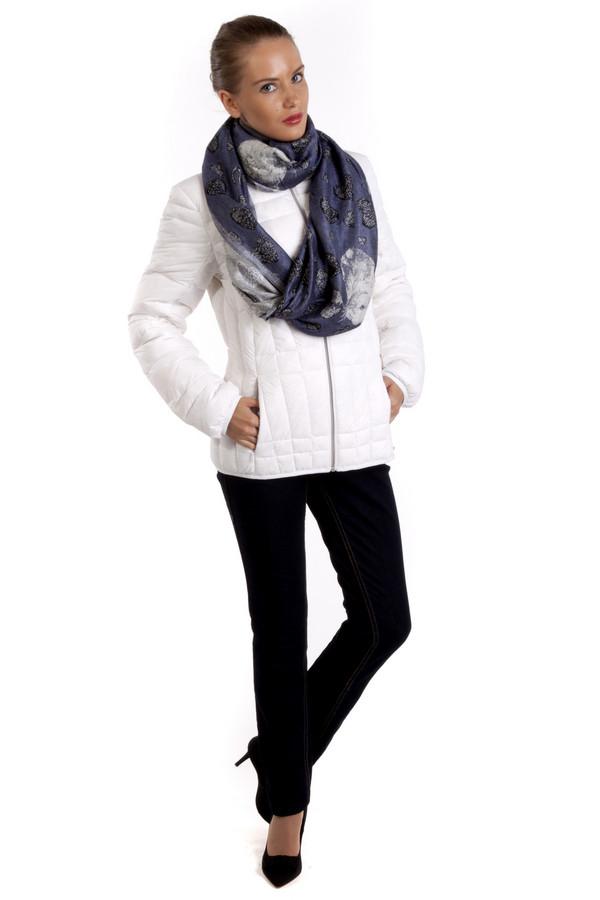Куртка PezzoКуртки<br>Яркая, модная куртка Pezzo. Представлена в трех насыщенных цветах. Из теплого, легкого высококачественного материала.Воротник-стойка, центральная застежка-молния, два боковых кармана на скрытой молнии, манжеты на резинке. Модный пуховик займет достойное место в вашем гардеробе.В комплект входит чехол, что позволяет компактно хранить изделие.  Подкладка 100% нейлон.   Утеплитель 90% утиный пух, 10% утиное перо.<br><br>Размер RU: 48<br>Пол: Женский<br>Возраст: Взрослый<br>Материал: нейлон 100%<br>Цвет: Белый