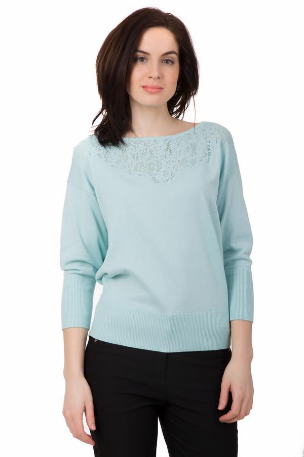 Пуловер PezzoПуловеры<br>Пуловер Pezzo голубой. Нежность и изысканность – это то, что выделяет данную модель на фоне остальных. Ажурный узор на кокетке подчеркивает вашу грацию и изящество. Высокие манжеты резинкой отлично гармонируют с низом изделия. Состав: хлопок и акрил. Советуем носить эту вещь с брюками и джинсами, а также юбками разных фасонов.<br><br>Размер RU: 50<br>Пол: Женский<br>Возраст: Взрослый<br>Материал: хлопок 50%, акрил 50%<br>Цвет: Голубой