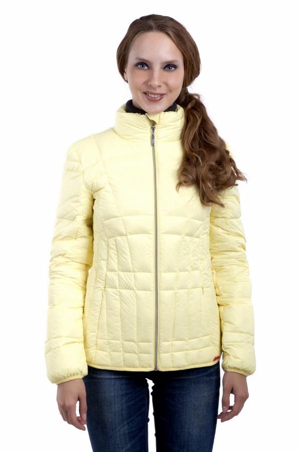 Куртка PezzoКуртки<br>Яркая, модная куртка Pezzo. Представлена в трех насыщенных цветах. Из теплого, легкого высококачественного материала. Воротник-стойка, центральная застежка-молния, два боковых кармана на скрытой молнии, манжеты на резинке. Модный пуховик займет достойное место в вашем гардеробе.В комплект входит чехол, что позволяет компактно хранить изделие.  Подкладка 100% нейлон.   Утеплитель 90% утиный пух, 10% утиное перо.<br><br>Размер RU: 44<br>Пол: Женский<br>Возраст: Взрослый<br>Материал: нейлон 100%<br>Цвет: Жёлтый