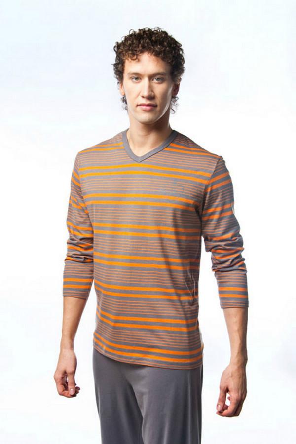 Пижама LowryПижамы<br>Пижама Lowry серо-оранжевая. Мужская одежда должна соответствовать главному требованию – быть удобной и комфортной для ее обладателя. Такая пижама позволит вам отдыхать во мне и душой, и телом. Хлопок – оптимальный выбор для круглогодичного пользования: в одежде из такого материала нехолодно зимой и нежарко летом. Сочетание серого и оранжевого цветов очень оживит любой мужской гардероб.<br><br>Размер RU: 54<br>Пол: Мужской<br>Возраст: Взрослый<br>Материал: хлопок 100%<br>Цвет: Оранжевый
