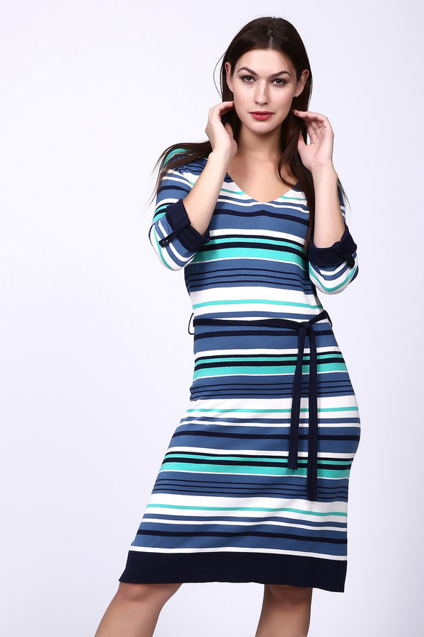 Платье PezzoПлатья<br>Платье Pezzo в полоску. Разноцветные полосы делают это платье очень необычным и привлекательным. Особенно украшают его яркие акценты: темно-синий пояс, манжеты и низ платья. Модель понравится вам своей необычностью и комбинацией гармоничных оттенков рисунка. Состав: вискоза, эластан, полиамид.