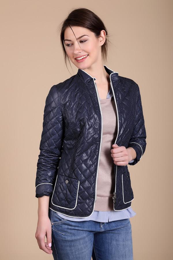 Куртка PezzoКуртки<br>Куртка Pezzo синяя. Основной фон этой курточки – темный, но он отлично дополнен контрастной отделкой – белыми полосами, обрамляющими застежку на молнии и накладные карманы по бокам курточки. Простеганная курточка обязательно должна быть в гардеробе женщины, ведь это так удобно для столь частой в наших широтах сырой погоды. Состав: 100%-ный полиэстер.<br><br>Размер RU: 42<br>Пол: Женский<br>Возраст: Взрослый<br>Материал: полиэстер 100%<br>Цвет: Белый