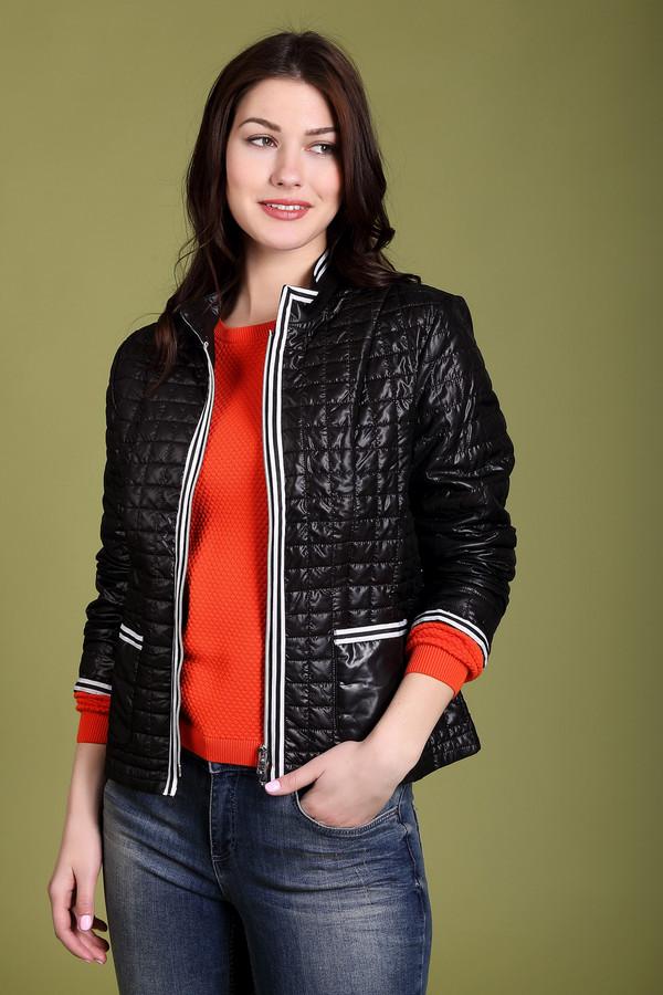 Куртка Just ValeriКуртки<br>Куртка Just Valeri черная. Эта простеганная курточка выглядит очень элегантно. Отделка на карманах, внизу рукавов и по краям застежки делает данную модель очень интересной и красивой. Удобная демисезонная курточка придется по душе стильным женщинам, ценящим в одежде практичность и уникальные необычные детали. Состав: 100%-ный полиэстер. Благодаря этому курточка подойдет и для сырой погоды осени или весны.<br><br>Размер RU: 48<br>Пол: Женский<br>Возраст: Взрослый<br>Материал: полиэстер 100%<br>Цвет: Чёрный