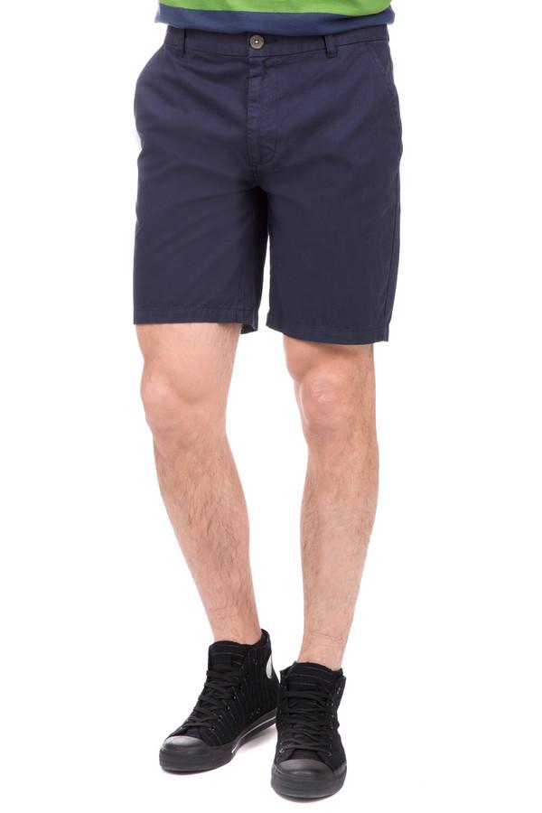 Шорты PezzoШорты<br>Шорты Pezzo темно-синие. Отменная модель для мужчин. Представители сильного пола обожают удобные практичные вещи, поэтому такие шорты станут для них настоящей находкой. Для жаркого летнего дня данная модель из 100%-ного хлопка – именно то, что нужно. В таких шортах вам будет замечательно – вне зависимости от того, куда вы собираетесь: на прогулку в город или на пляж.<br><br>Размер RU: 56<br>Пол: Мужской<br>Возраст: Взрослый<br>Материал: хлопок 100%<br>Цвет: Синий