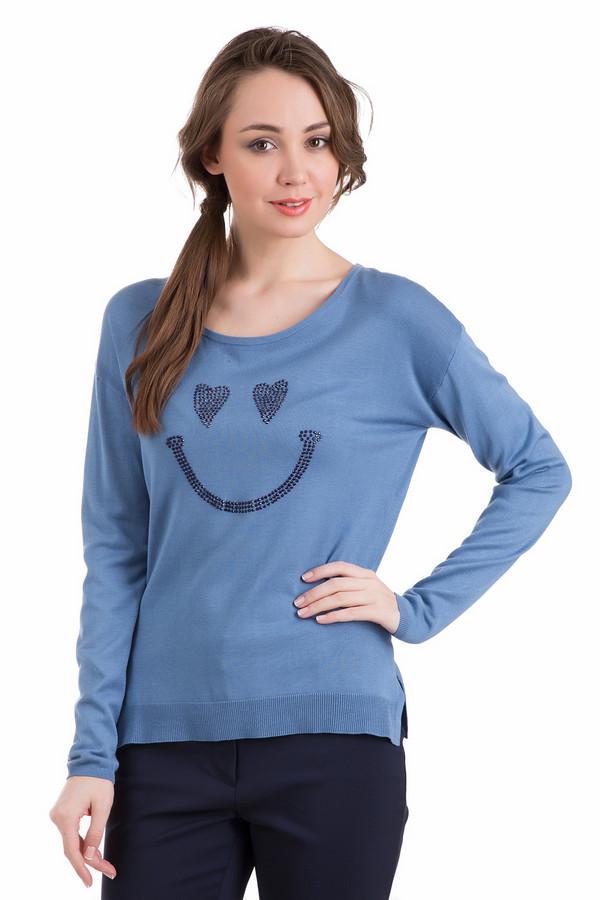 Пуловер PezzoПуловеры<br>Пуловер Pezzo синий. Голубые и синие тона – фавориты на все времена. Подобная одежда выглядит всегда нарядно и свежо, особенно если речь идет о таком веселом пуловере, как модели. Веселый смайлик с влюбленными глазами делает предлагаемую вещь очень игривой и необычной. Состав ткани: полиамид и вискоза. Чудесный выбор для стильных дам.<br><br>Размер RU: 42<br>Пол: Женский<br>Возраст: Взрослый<br>Материал: полиамид 19%, вискоза 81%<br>Цвет: Синий