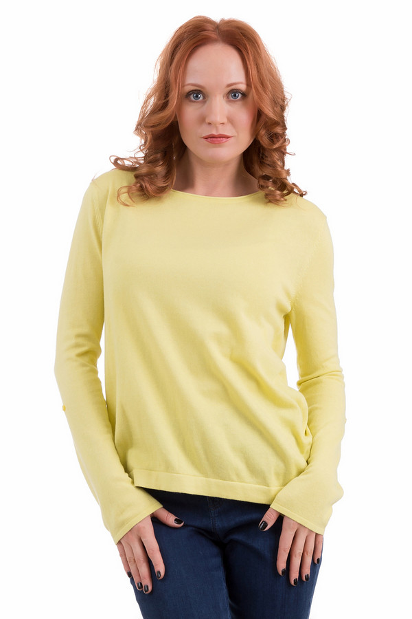 Пуловер PezzoПуловеры<br>Женский пуловер Pezzo кремово-желтого цвета отлично подойдет для всех любительниц стиля кэжуал. Стильный и в то же время небрежный покрой, длинные рукава, достающие до основания пальцев, чуть приталенный силуэт - пуловер можно сочетать с брюками, джинсами и юбками. Изготовлена данная модель из полиамида, шелка и хлопка, и лучше всего носиться будет в демисезон.<br><br>Размер RU: 54<br>Пол: Женский<br>Возраст: Взрослый<br>Материал: полиамид 20%, шелк 10%, хлопок 70%<br>Цвет: Жёлтый
