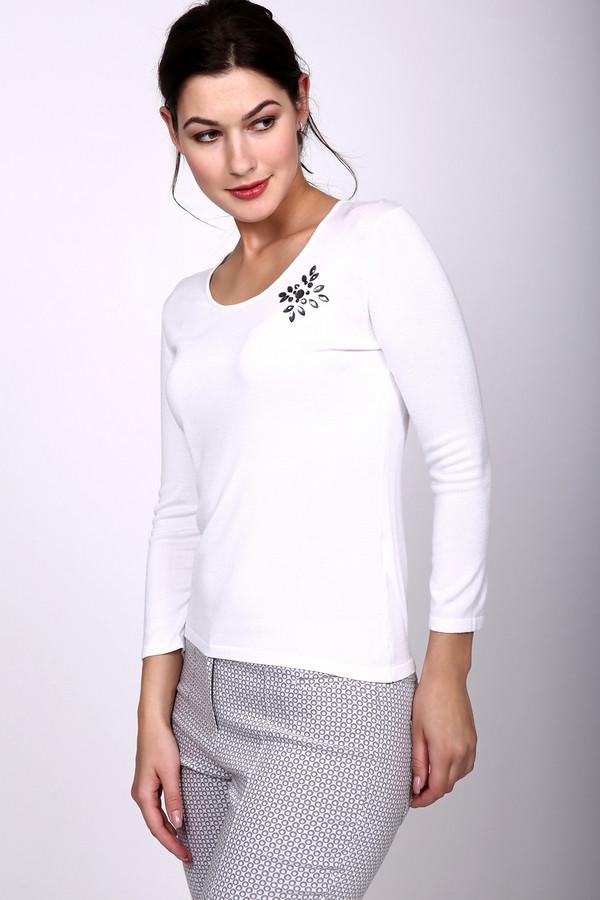 Пуловер PezzoПуловеры<br>Пуловер Pezzo белый. Элегантная модель с интересным декором на груди – именно то, что вам нужно. Округлый вырез горловины приоткрывает красивые плечи и шею. Такая модель подойдет и для офиса, и для свидания с любимым. Отличная по своей функциональности вещь. Идеально сочетается с самыми разными предметами вашего гардероба: юбками и брюками, жакетами и кофтами.<br><br>Размер RU: 42<br>Пол: Женский<br>Возраст: Взрослый<br>Материал: полиамид 19%, вискоза 81%<br>Цвет: Белый