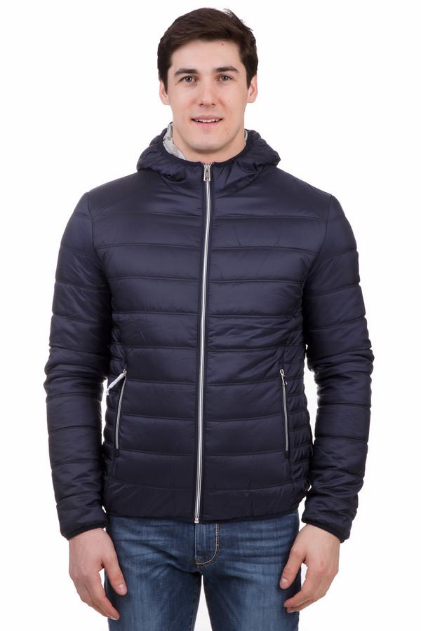 Куртка LocustКуртки<br>Теплая мужская куртка Locust темно-синего цвета отлично подойдет для холодной части весны или осени. Куртка прямого кроя дополнена двумя врезными карманами на молнии. Длинные рукава дополнены изнутри манжетами, обхватывающими запястье. Есть капюшон. Все это позволяет максимально эффективно сохранять тепло. Изделие полностью выполнено из полиэстера.<br><br>Размер RU: 56<br>Пол: Мужской<br>Возраст: Взрослый<br>Материал: полиэстер 100%, Состав_подкладка полиэстер 100%<br>Цвет: Синий