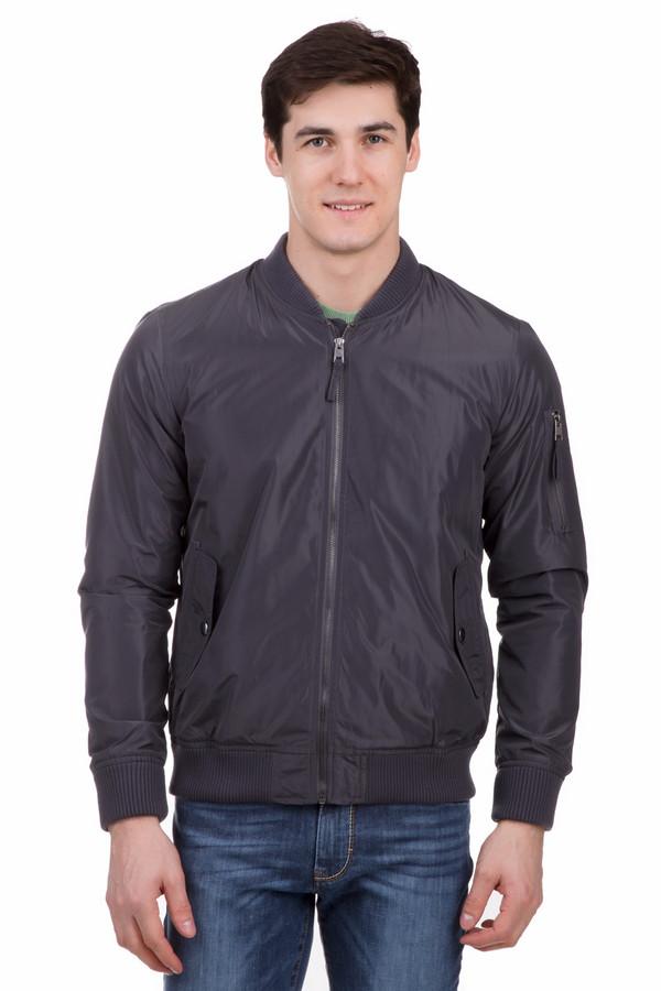 Куртка LocustКуртки<br>Куртка Locust темно-серая. Отменная модель, которая порадует стильного и уверенного в себе мужчину. В такой куртке вы будете выглядеть действительно безупречно. Застежка на молнию и карманы с клапанами – это классика мужской моды, если речь идет о демисезонных изделиях. Состав: 100%-ный полиэстер. Особенно хороша такая куртка в сочетании с джинсами.<br><br>Размер RU: 56<br>Пол: Мужской<br>Возраст: Взрослый<br>Материал: полиэстер 100%, Состав_подкладка полиэстер 100%<br>Цвет: Серый