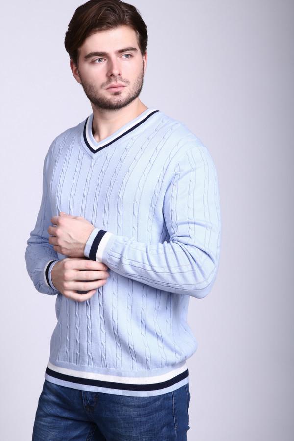 Джемпер PezzoДжемперы и Пуловеры<br>Аккуратный мужской джемпер Pezzo светлого серо-голубого цвета, дополненный белыми и черными вставками. Украшают джемпер узор из вязаных тонких кос. Дополняет изделие цветная горловина, которая изображает V-образный вырез. Модель выполнена из акрила и хлопка. Осенью и весной в такой одежде будет наиболее удобно.