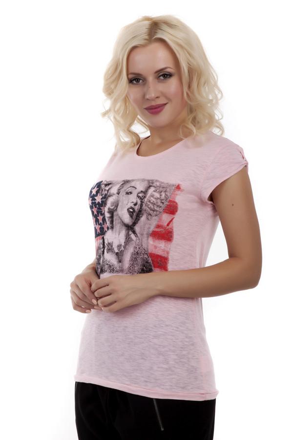 Футболка LocustФутболки<br>Однотонная розовая футболка из приятного на ощупь хлопкового материала от бренда Locust прилегающего кроя. Изделие дополнено: круглым вырезом и короткими рукавами. Футболка оформлена модным принтом с Мэрилин Монро на фоне американского флага.<br><br>Размер RU: 40-42<br>Пол: Женский<br>Возраст: Взрослый<br>Материал: хлопок 100%<br>Цвет: Розовый
