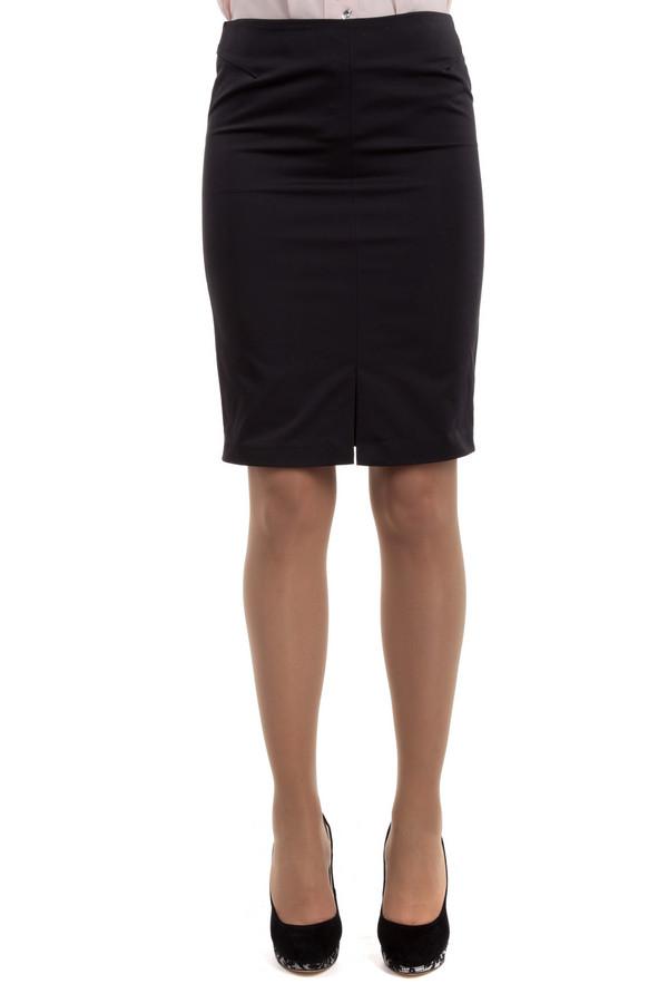 Юбка LocustЮбки<br>Черная юбка от бренда Locust прямого кроя. Изделие дополнено: шлицами и скрытой застежкой-молния на спинке.<br><br>Размер RU: 44-46<br>Пол: Женский<br>Возраст: Взрослый<br>Материал: полиэстер 100%<br>Цвет: Чёрный