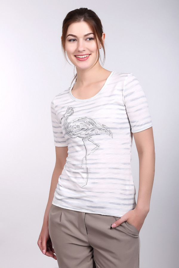 Футболка PezzoФутболки<br>Футболка Pezzo белая. Милая модель с ненавязчивым рисунком придется по душе женщинам с отменным вкусом. Необычный рисунок на лифе в виде птицы делает эту вещь еще и очень оригинальной. Рекомендуем приобрести такую футболку для теплых летних дней. Состав: хлопок и модал. Хороший комби-партнер.<br><br>Размер RU: 42<br>Пол: Женский<br>Возраст: Взрослый<br>Материал: хлопок 50%, модал 50%<br>Цвет: Белый