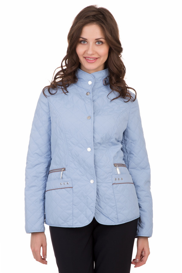 Куртка PezzoКуртки<br>Куртка Pezzo голубая. Эта модель оптимальна для практичных и романтичных девушек. Женщины вне зависимости от своего возраста будут выглядеть в таком изделии моложе и еще привлекательнее. Демисезонная куртка с декоративными карманами очень популярна благодаря своей красоте и функциональности. Состав: 100%-ный полиэстер.<br><br>Размер RU: 54<br>Пол: Женский<br>Возраст: Взрослый<br>Материал: полиэстер 100%<br>Цвет: Голубой