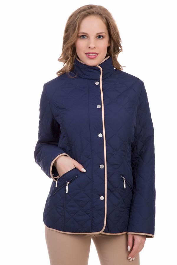 Куртка PezzoКуртки<br>Куртка Pezzo темно-синяя. Восхитительная модель с диагональными карманчиками на молниях – это хит нашей коллекции. Отделочные бежевые полоски по краям изделия его очень оживляют и делают совершенно бесподобным. Состав: 100%-ный полиэстер. Двойная застежка (молния плюс кнопки) – это очень удобно, так как они дублируют и страхуют друг друга и защищают вас от ветра.<br><br>Размер RU: 52<br>Пол: Женский<br>Возраст: Взрослый<br>Материал: полиэстер 100%<br>Цвет: Синий