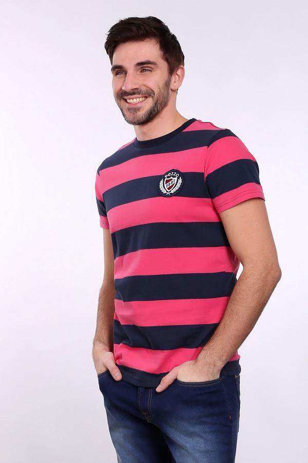 Футболкa PezzoФутболки<br>Футболкa Pezzo в полоску мужская. Сочетание темного синего и яркого розового пока что довольно новое для мужской моды, поэтому в такой футболке остаться незамеченным сложно. Модель для стильных парней, желающих не отставать от моды и стремящихся идти в ногу со временем. Состав: 100%-ный хлопок.