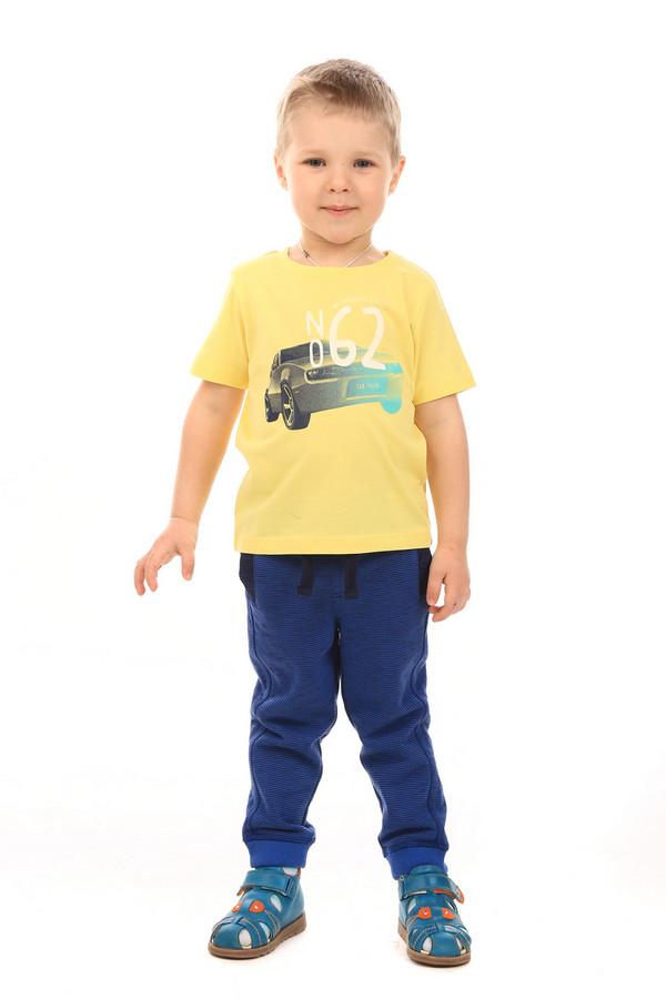 Футболки и поло Tom TailorФутболки и поло<br>Футболки и поло Tom Tailor. Желтая и такая милая футболочка придется по душе маленькому проказнику. С детства ваш малыш будет самым стильным и веселым ребенком. Модный принт с автомобилем – излюбленная тема в одежде мальчиков. Состав: 100%-ный хлопок, поэтому в таком изделии ребенку будет комфортно даже в летний зной.<br><br>Размер RU: 30;116-122<br>Пол: Мужской<br>Возраст: Детский<br>Материал: хлопок 100%<br>Цвет: Жёлтый