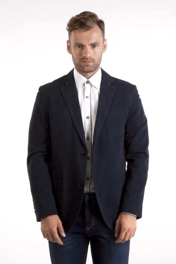 Пиджак CalamarПиджаки<br>Темно-синий пиджак от бренда Calamar приталенного кроя выполнен из приятной на ощупь хлопковой ткани. Изделие дополнено: отложным воротником, внутренним карманом на молнии, тремя внешними накладными карманами, выточками и манжетами с пуговицами. Модель застегивается на пуговицы.  В качестве подкладки 100% полиэстер.<br><br>Размер RU: 50<br>Пол: Мужской<br>Возраст: Взрослый<br>Материал: хлопок 100%<br>Цвет: Синий
