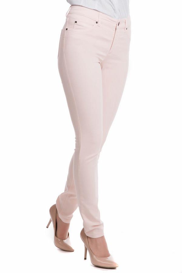 Джинсы OuiДжинсы<br>Джинсы Oui розовые. Облегающая и такая нежная модель в пастельных тонах подойдет для почитательниц женственного и элегантного стиля. Брючки красиво облегают женские ножки и бесподобно сидят по фигуре. Состав: эластан, полиэстер, хлопок. Модель класса люкс для шикарных и уверенных в себе женщин. Хорошо комбинируются с прочими вещами вашего гардероба.<br><br>Размер RU: 50<br>Пол: Женский<br>Возраст: Взрослый<br>Материал: эластан 4%, полиэстер 29%, хлопок 67%<br>Цвет: Розовый