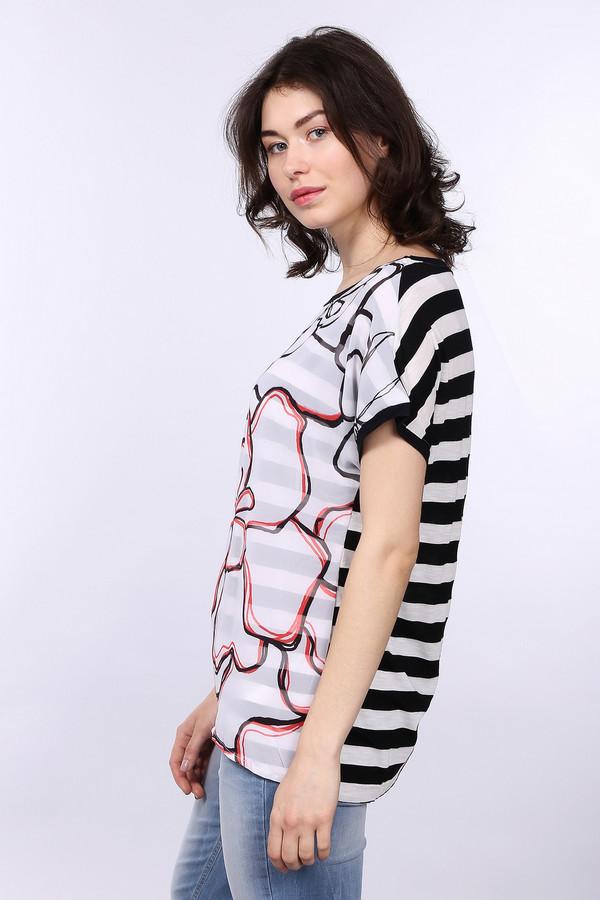 Футболка SteilmannФутболки<br>Футболка Steilmann женская. Черный, белый и красный – признанные союзники во многих изделиях, особенно если это одежда. Игра контрастов в женском гардеробе актуальна во все времена. Вискоза с полиэстером создают приятную к телу и комфортную ткань. Летом такая удлиненная модель прекрасно дополнит множество самых разных ансамблей.<br><br>Размер RU: 44<br>Пол: Женский<br>Возраст: Взрослый<br>Материал: вискоза 30%, полиэстер 70%<br>Цвет: Разноцветный