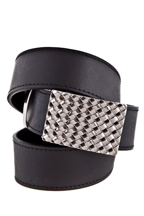 Ремень GardeurРемни<br>Стильный мужской ремень от бренда Gardeur. Это пояс черного цвета с металлической пластиной с имитацией переплетений. Ремень сделан из 100% плотной натуральной кожи. Не смотря на оригинальную пластину, пояс выглядит очень солидно. Он идеально дополнит как дорогой костюм, так и повседневные джинсы.<br><br>Размер RU: 48<br>Пол: Мужской<br>Возраст: Взрослый<br>Материал: кожа 100%<br>Цвет: Чёрный