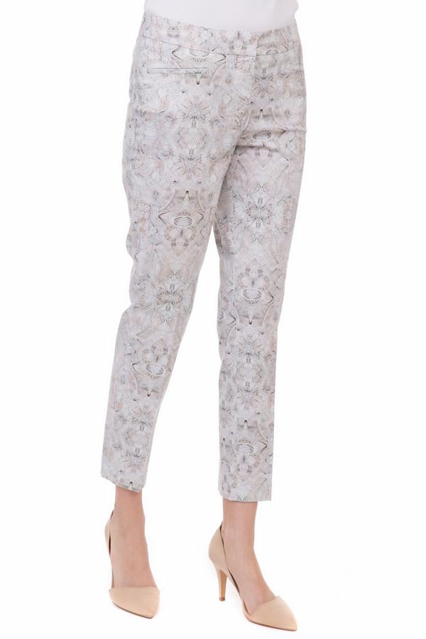 Брюки GardeurБрюки<br>Брюки Gardeur разноцветные. Серый, белый, бежевый – красота этих пастельных тонов воплощена в совершенно замечательной модели брюк. Эти капри отличает лаконичный крой, но это и не удивительно, ведь основной акцент здесь – на прекраснейший рисунок ткани. Состав: хлопок и эластан. Великолепная вещь для лета, которую можно сочетать с самыми разными футболками и топами.<br><br>Размер RU: 44<br>Пол: Женский<br>Возраст: Взрослый<br>Материал: эластан 3%, хлопок 97%<br>Цвет: Разноцветный