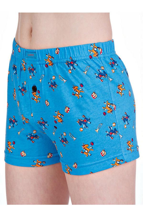 Трусы LowryТрусы<br>Трусы Lowry для мальчика. Синие трусы с игривым узором наверняка понравятся маленькому сорванцу. Тем более что выполнены они из 100%-ного хлопка, а значит будут комфортны в носке и очень удобны. Отличная модель под брюки, джинсы, шорты. В детстве как никогда важно, чтоб нижнее белье было не только красивым, но еще и приятным к телу.<br><br>Размер RU: 34<br>Пол: Мужской<br>Возраст: Детский<br>Материал: хлопок 100%<br>Цвет: Синий