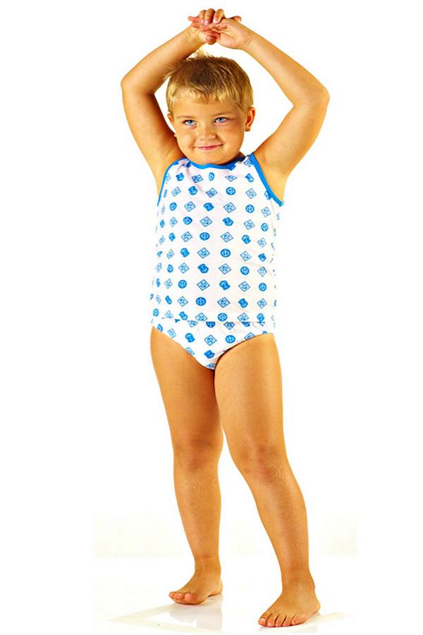 Нижнее белье LowryНижнее белье<br>Нижнее белье Lowry для мальчика. Комплект этого белья – чудесное решение, ведь таким образом можно убить двух зайцев: у вас есть и маечка, и трусики. Белый, голубой и синий цвета отлично сочетаются в этом милом костюмчике. Состав: 100%-ный хлопок. Изделия служат для круглогодичной носки.<br><br>Размер RU: 38<br>Пол: Мужской<br>Возраст: Детский<br>Материал: хлопок 100%<br>Цвет: Разноцветный