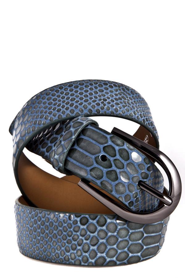 Ремень PezzoРемни<br>Стильный кожаный ремень модной расцветки «змеиная кожа». Изделие представлено в трех цветах: светлый бежевый,синий и коричневый.   Ширина ремня 3,5 см.<br><br>Размер RU: 46<br>Пол: Женский<br>Возраст: Взрослый<br>Материал: кожа 100%<br>Цвет: Голубой